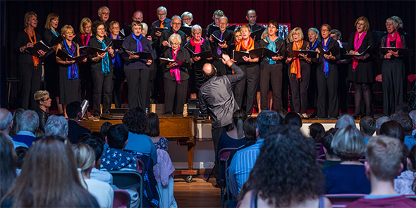 Photograph of the Duffield Singers & Dana de Waal taken by Ashley Franklin
